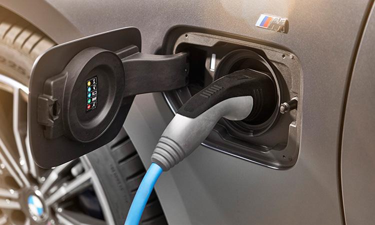 ที่ชาร์จไฟ BMW 330e M Sport (Plug-in Hybrid)