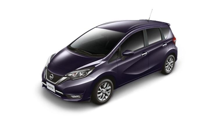 Nissan NOTE สีม่วง Plum