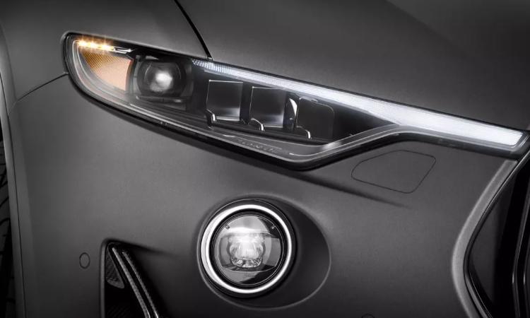 ดีไซน์ไฟหน้า Maserati Levante รุ่น Grigio Matte Edition