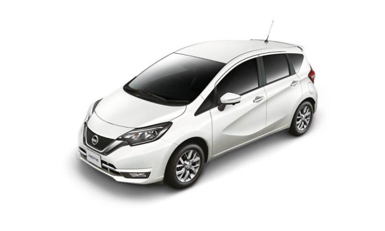Nissan NOTE สีขาวมุก White Pearl