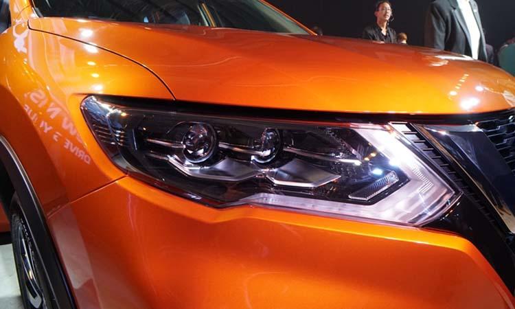 ไฟหน้า Nissan X-Trail