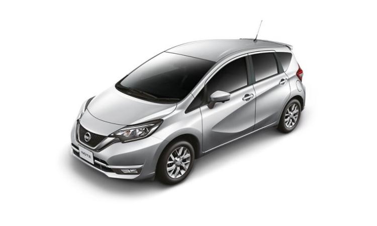 Nissan NOTE สีเงิน Brilliant Silver
