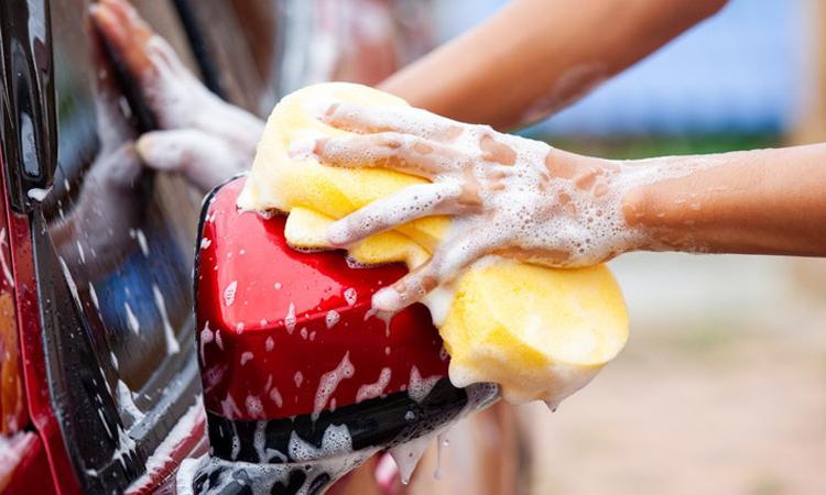 ล้างรถขจัดคราบสกปรก