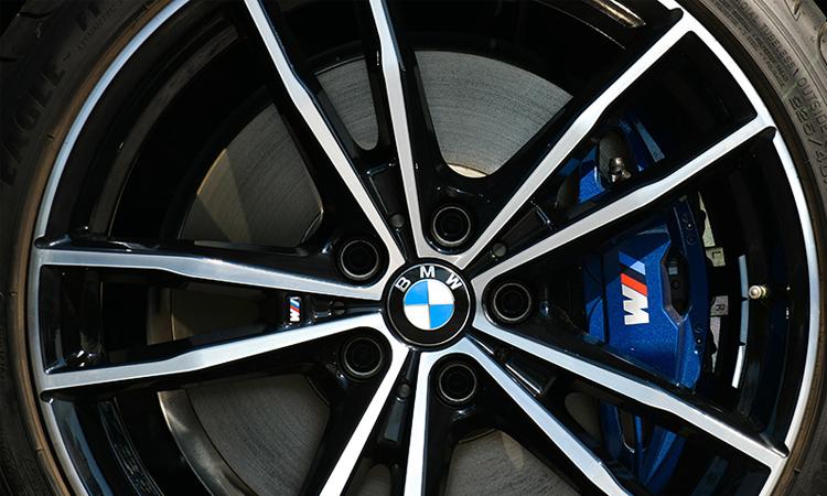 ล้อแม็ก BMW 330e M Sport (Plug-in Hybrid)