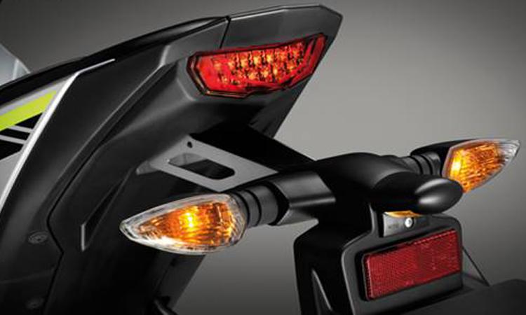 ไฟท้าย Yamaha M-SLAZ