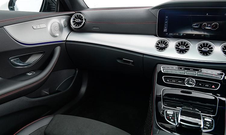 ดีไซน์คอนโซนหน้า AMG E53 Coupe' 4MATIC+