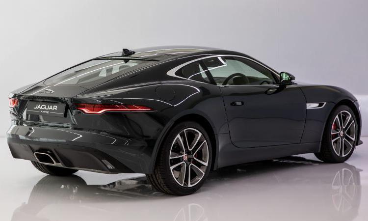 ดีไซน์ด้านท้าย Jaguar F-Type