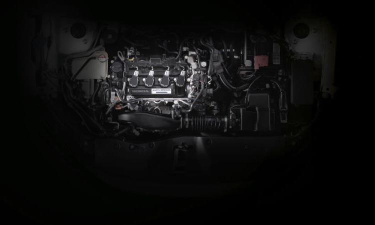 เครื่องยนต์Honda Civic TURBO RS