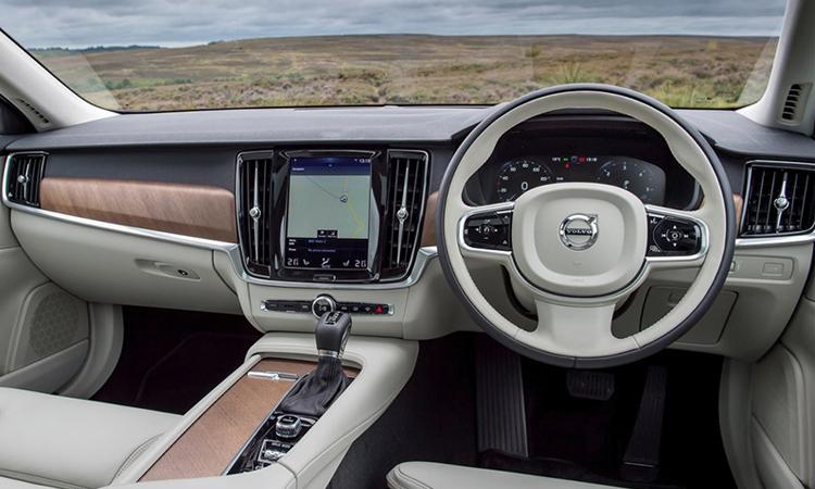ด้านใน Volvo S90 T8 Plug-in Hybrid