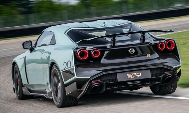 ด้านหลัง Nissan GT-R50 By Italdesign