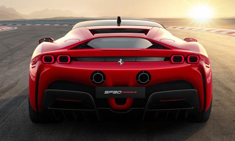 ดีไซน์หลัง Ferrari SF90 STRADALE