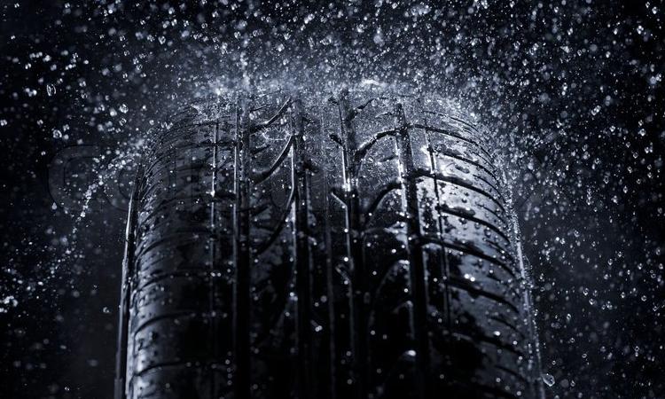 ดอกยาง มีความสำคัญอย่างไร เช็คยางรถยนต์ก่อนเข้าหน้าฝน