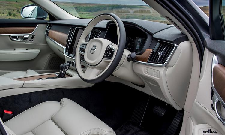 ภายใน Volvo S90 T8 Plug-in Hybrid