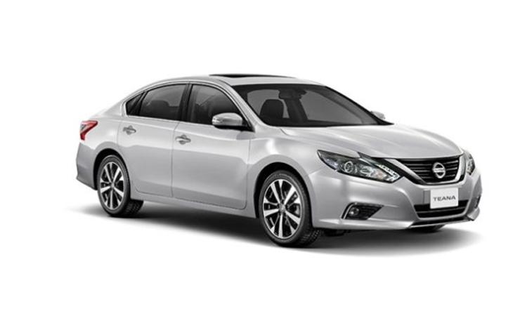 Nissan Teana Minorchange สี BRILLIANT SILVER