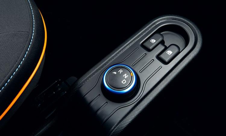 เกียร์และปุ่มควบคุมWuling Hongguang Mini EV