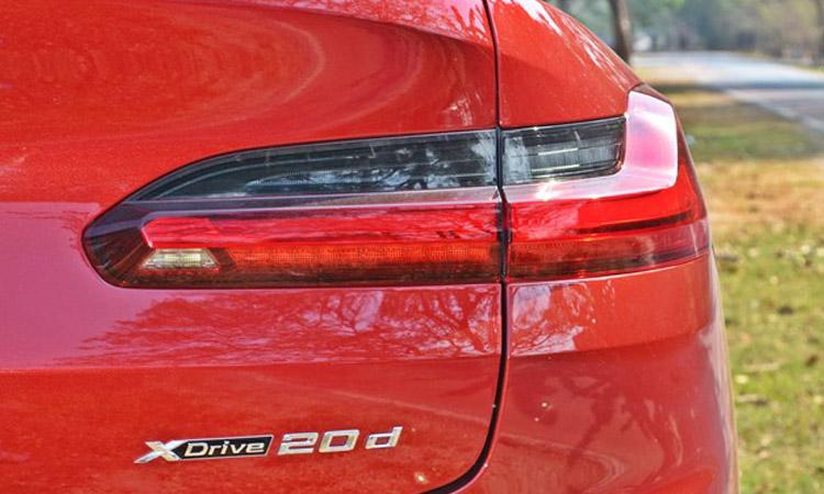 ท้าย BMW X4 xDrive20d M Sport X