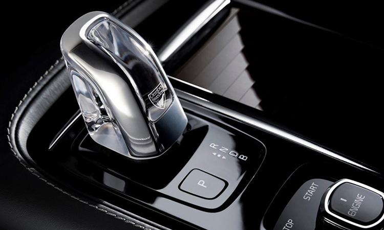 เกียร์ Volvo S90 T8 Plug-in Hybrid