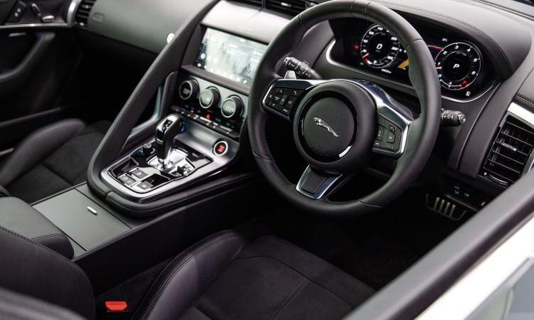 ภายใน Jaguar F-Type