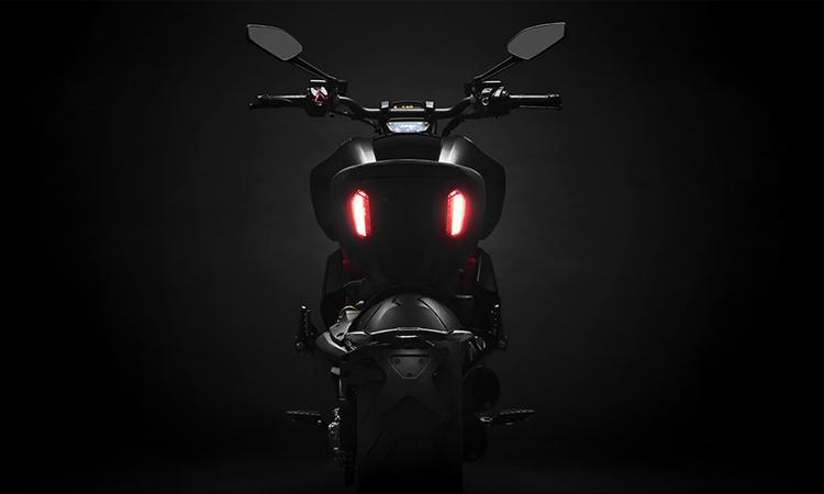 ไฟท้าย Ducati Diavel