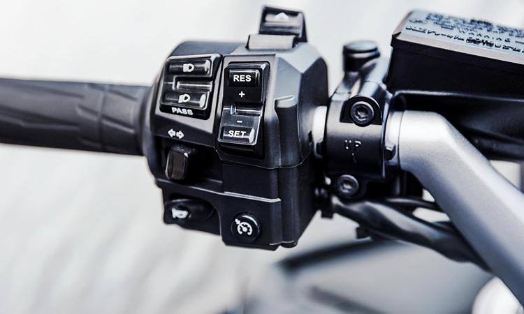 สวิตท์แฮน Yamaha FJR1300A