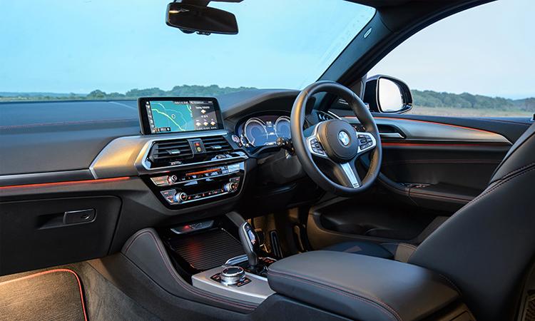 ภายใน BMW X4 xDrive20d M Sport X