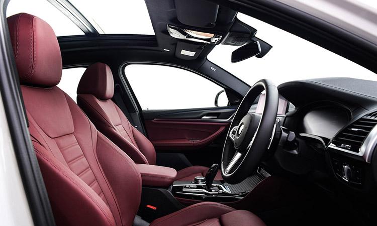 ด้านใน BMW X4 xDrive20d M Sport X