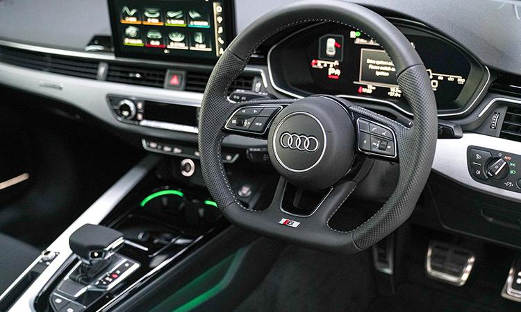 พวงมาลัย Audi A5 Coupé