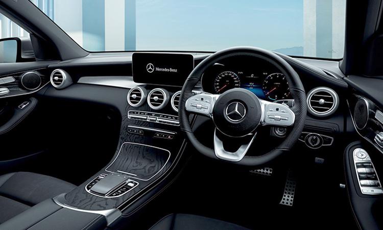 ภายใน Mercedes-Benz GLC 300e Coupe'