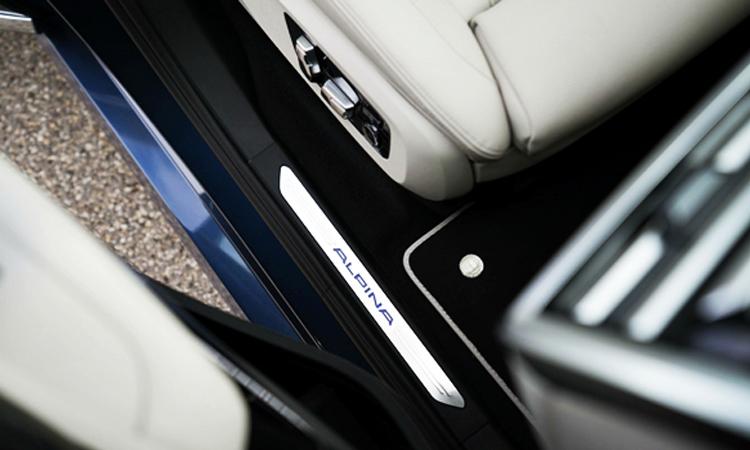 โลโก้บันได BMW Alpina XB7