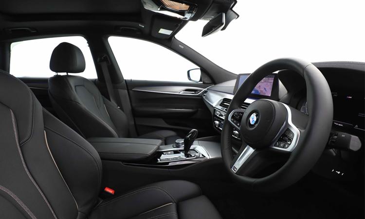 ดีไซน์ด้านใน BMW 630i GT M Sport