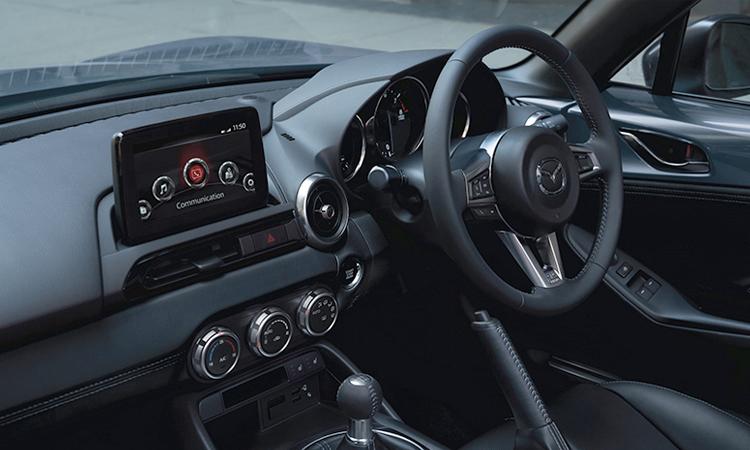 ดีไซน์ด้านด้านใน Mazda MX-5 RF 2020