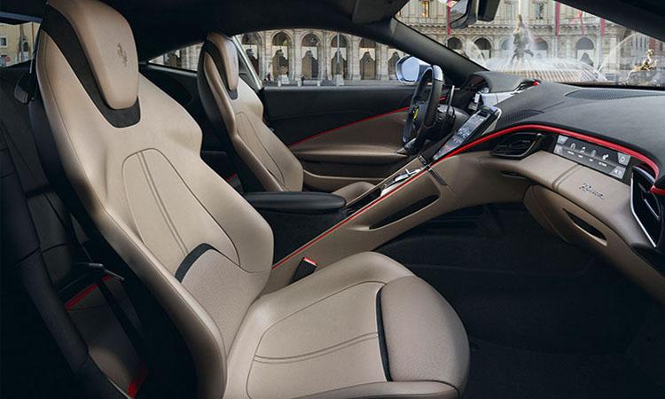 ด้านใน Ferrari Roma
