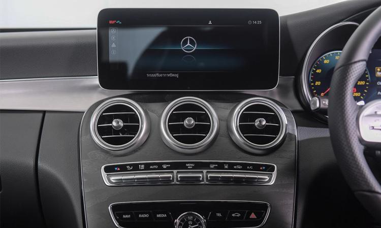 จอกลาง Mercedes-Benz C 300 e AMG Sport