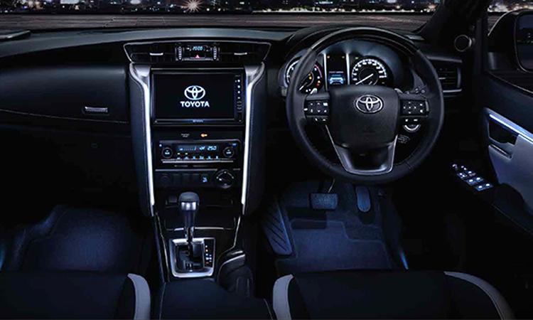 ภายใน Toyota Fortuner LEGENDER