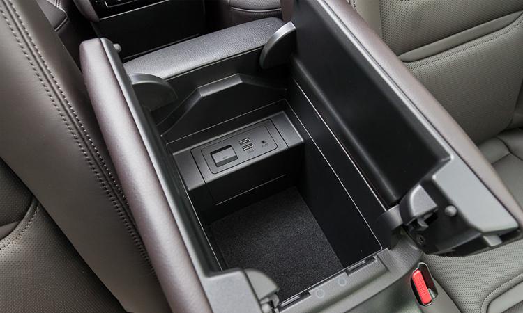 ช่องเก็บของ Mazda CX-8