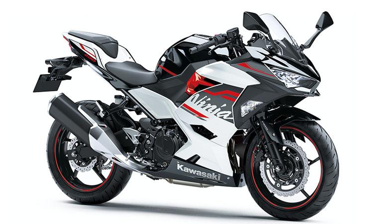 Kawasaki Ninja 400 สี PEARL BLIZZARD WHITE / METALLIC SPARK BLACK
