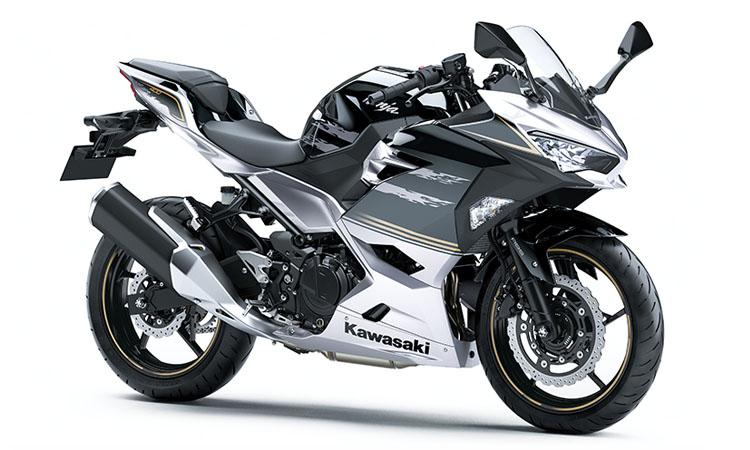 Kawasaki Ninja 400 สี SILVER