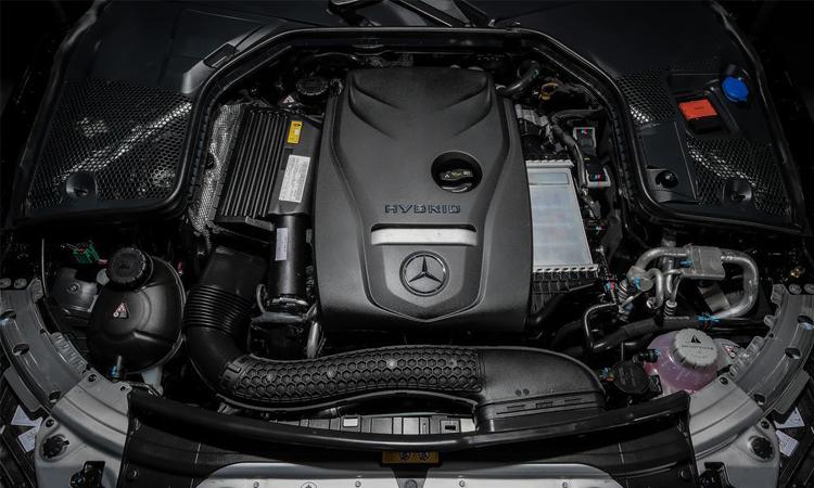 เครื่องยนต์ Mercedes-Benz C 300 e AMG Sport