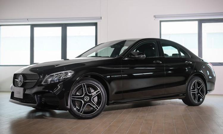 ดีไซนื Mercedes-Benz C 300 e AMG Sport
