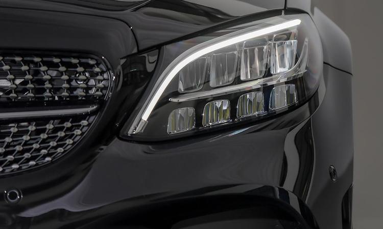 ไฟหน้าMercedes-Benz C 300 e AMG Sport
