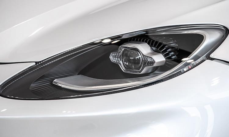 ไฟหน้า Aston Martin DBX