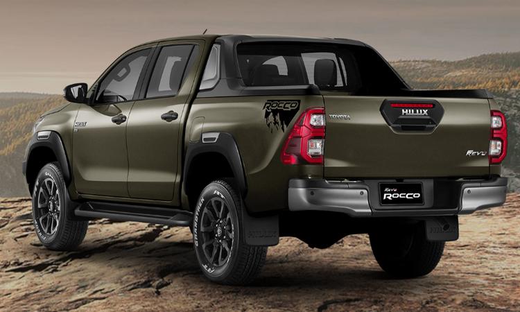 ดีไซน์ด้านข้าง Toyota Hilux REVO ROCCO