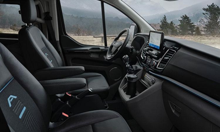 ภายใน Ford Transit และ Ford Tourneo