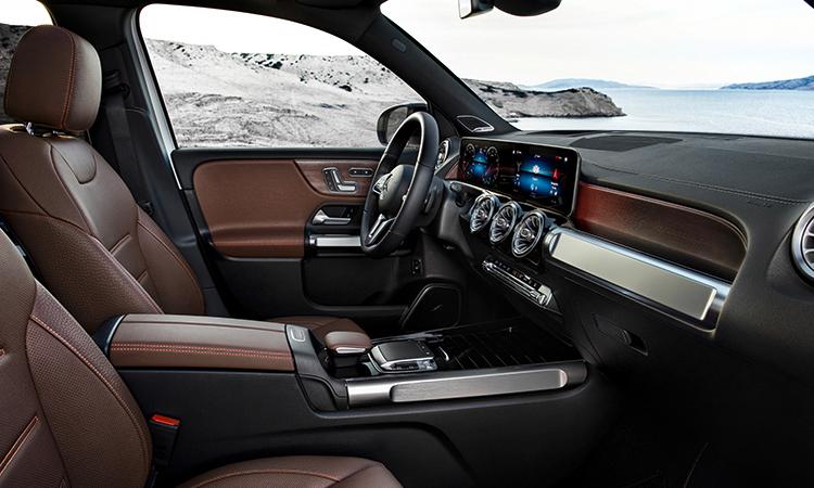 NEW Mercedes-Benz GLB 200