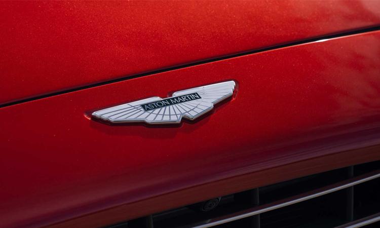 โลโก้ Aston Martin DBX