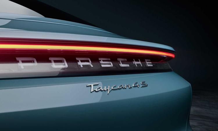 ไฟท้าย Porsche TAYCAN