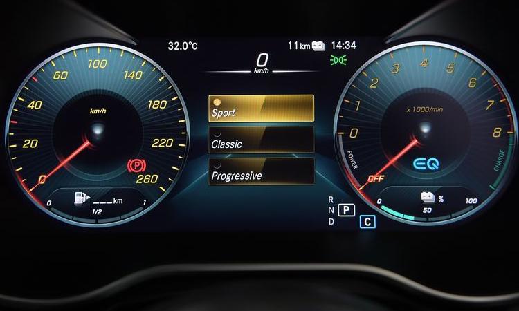 เรือนไมล์ Mercedes-Benz C 300 e AMG Sport