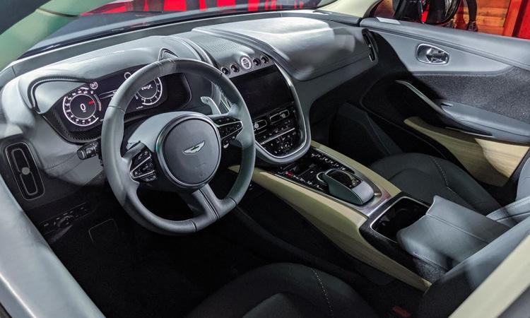 ภายใน Aston Martin DBX