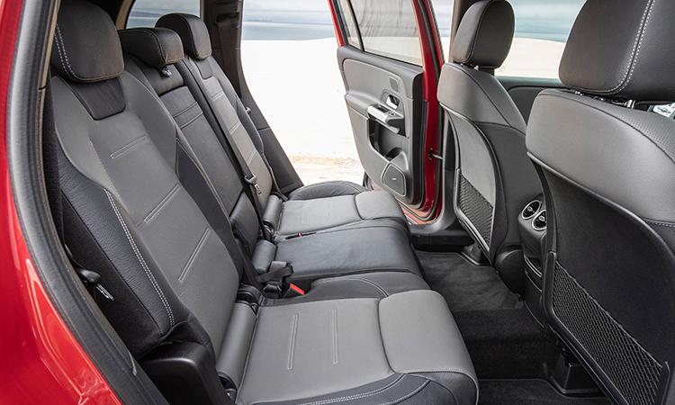 ที่นั่งแถวหลัง NEW Mercedes-Benz GLB 200