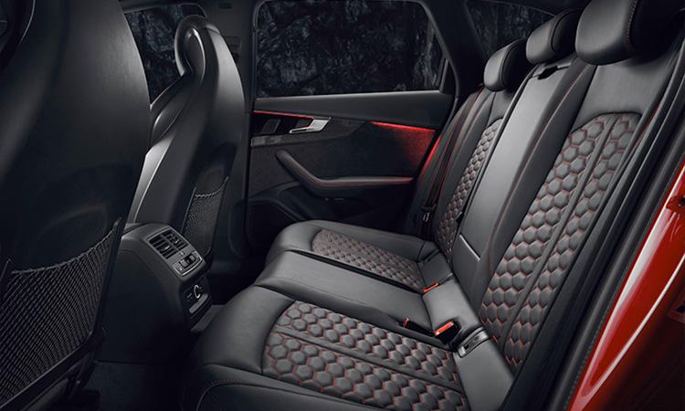 Audi Rs 4 Avant_2020-ที่นั่งด้านหลัง-1